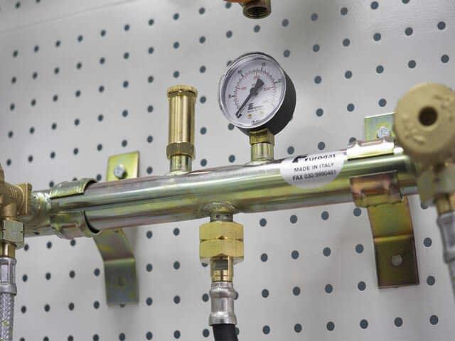 Установка ГБО на Ниву Шевроле своими руками: какое оборудование лучше поставить, способы переделки глушителя и фаркопа